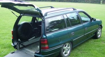 Opel Astra invalide vervoer